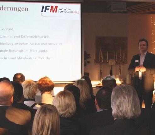 Messetraining_IFM_Verkaufstraining_fuer_mehr_Messeerfolg_kl