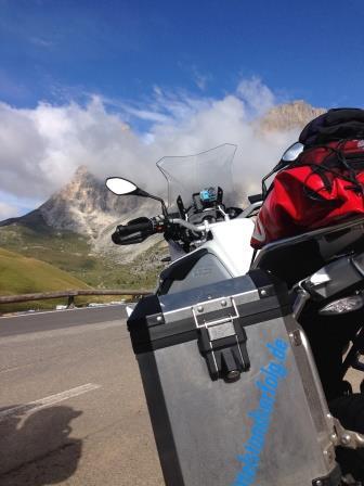 Biker IFM Leadership Führungskräftetraining Alpen Koffer XS